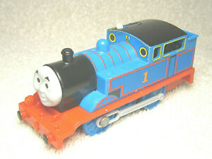 2009 THOMAS & FRIENDS TRACKMASTER MOTORIZED TRAIN ENGINE #1 BLUE THOMAS - NICE