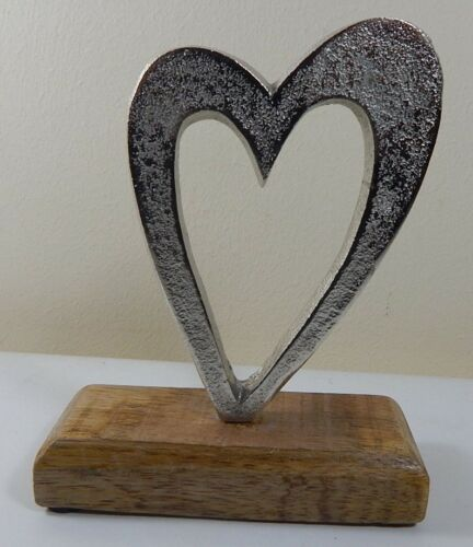 Metal Heart on wood base Ornement Décoration