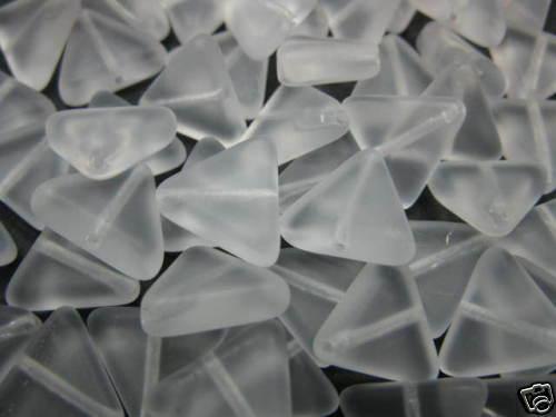 10 abalorios triángulo blanco mate 12mm perlas 2006