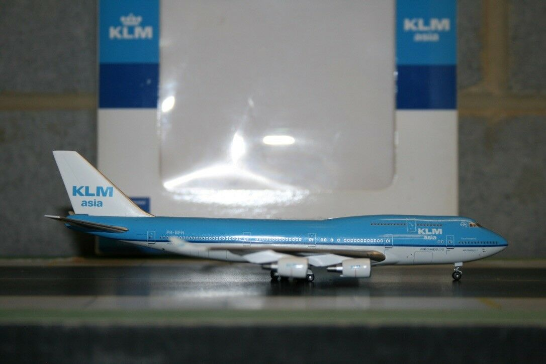 Inflight400 1 400 KLM Asia Boeing 747-400 PH-BFU (IF4744001) Model Plane