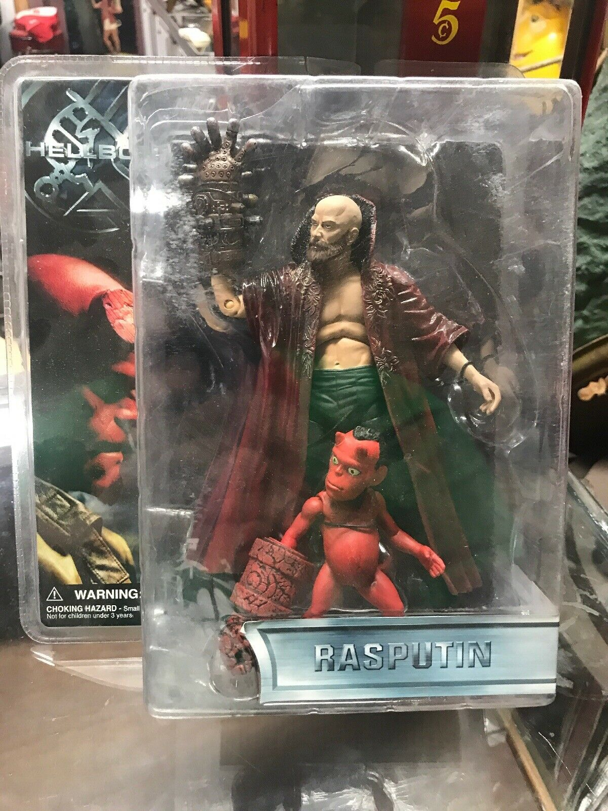 VTG mezco 2004 2004 2004 HELLBOY Rasputin 8  action figure w Little Devil Boy SEALED 6b1307