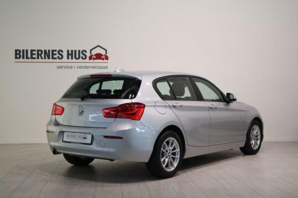 BMW 118i 1,5 Connected aut. - billede 1
