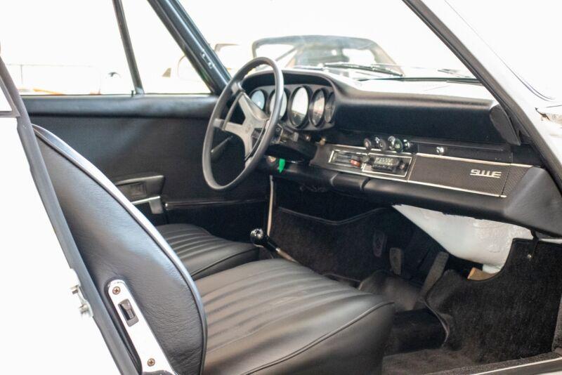 Porsche 911E Coupé - 9