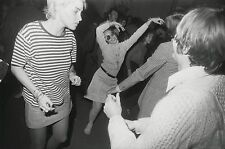 Garry WINOGRAND:  Women Are Beautiful, c. 1970 / Silver Print / SIGNED / GW37