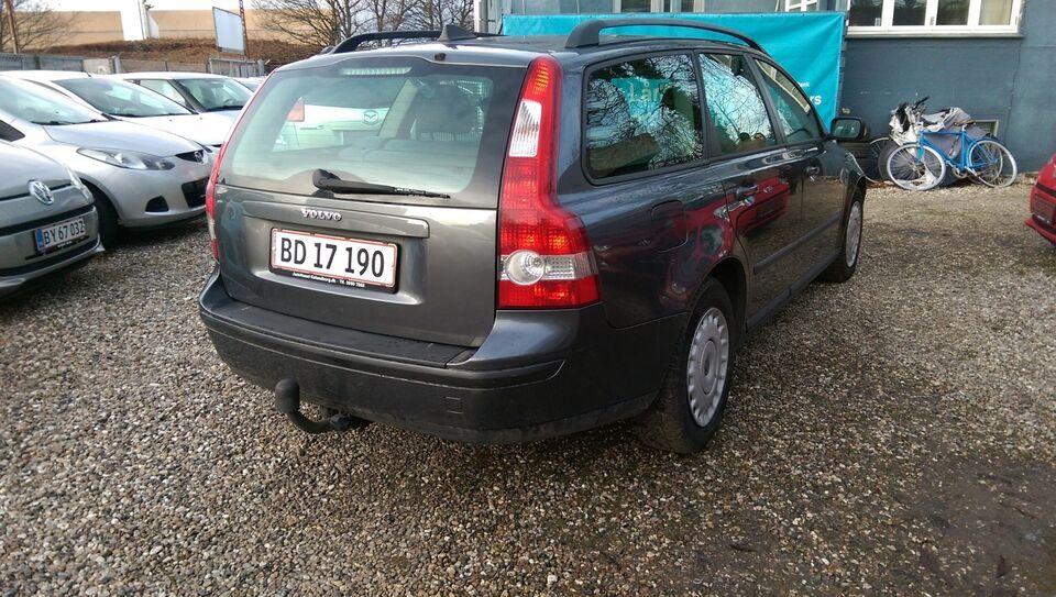 Volvo V50 1,8 Momentum Benzin modelår 2005 km 250000