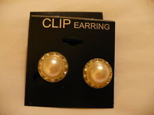 "PEARL/CRYSTAL ROUND CLIP ON EARRINGS 3/4"" SILVER TONE"