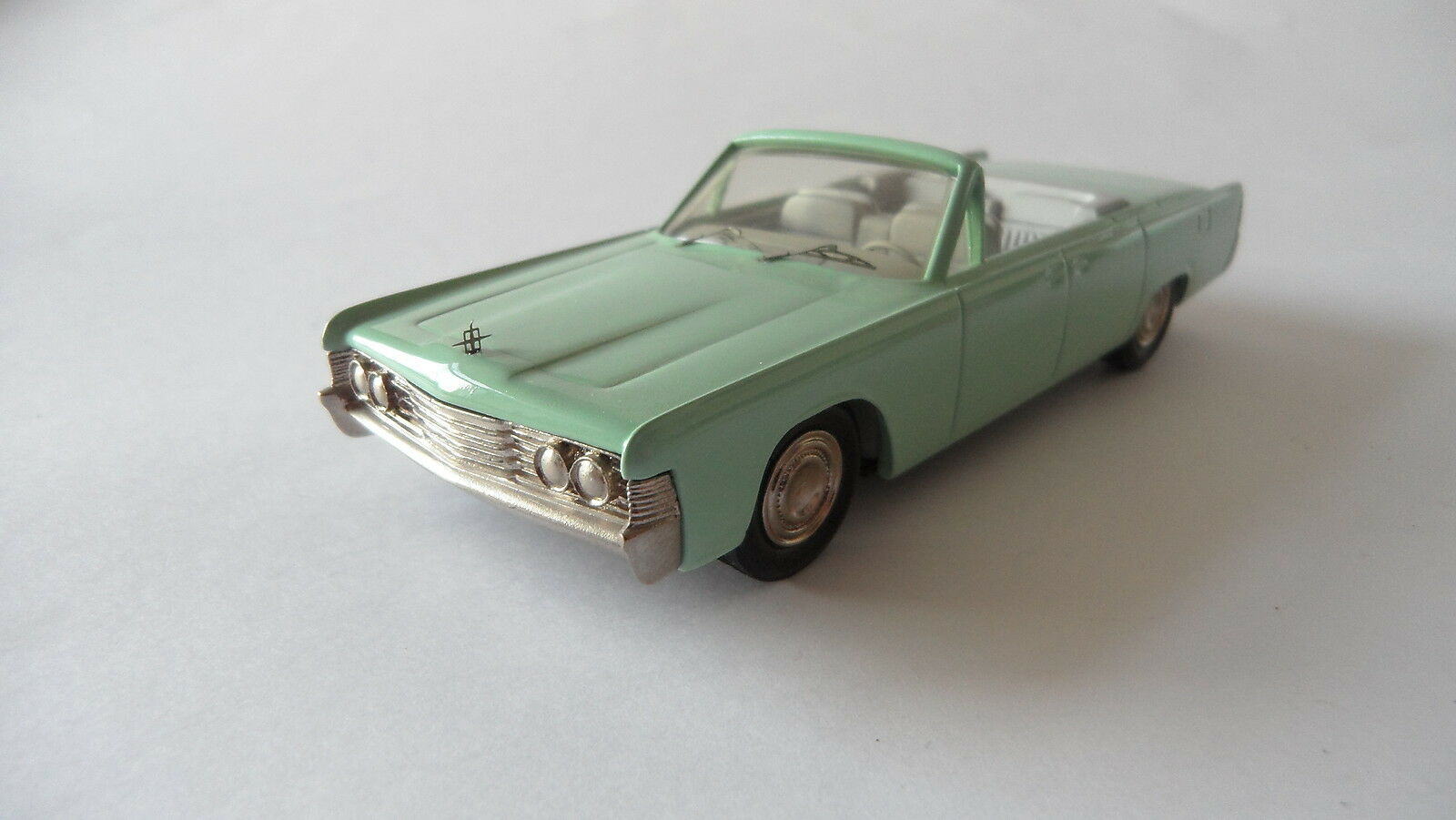 LINCOLN CONTINENTAL CABRIOLET 1965 1965 1965 GREEN CENTURY NO. 14  1 43 5aa66b