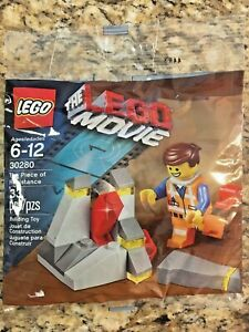 Lego The Piece Of Resistance Movie Set 30280 With Emmet Minifigure 673419213097 Ebay