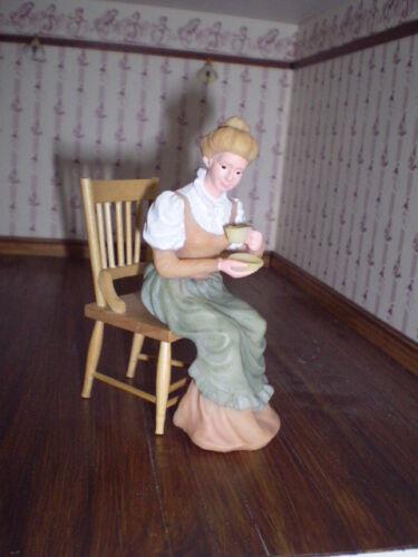 Casa De Muñecas Figura 1//12th escala Poliéster//Resina Vict Dama Sentada Con Taza