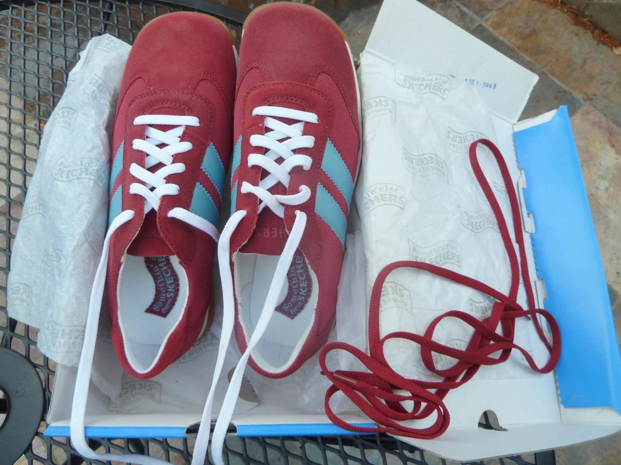 NIB Womens 8M Skechers Something Else Grand Prix Wine Red Light bluee Suede shoes