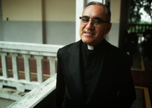 CANVAS  Archbishop Oscar Romero Art print POSTE