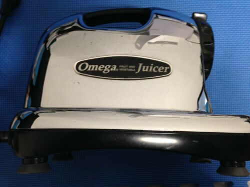 OMEGA JUICER J8006 FRUIT AND VEGETABLE JUICER