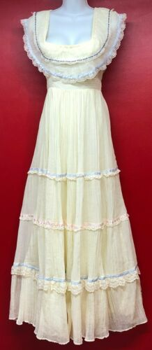 Vintage Gunne Sax 1970's Ivory Lace Tiered Ruffles