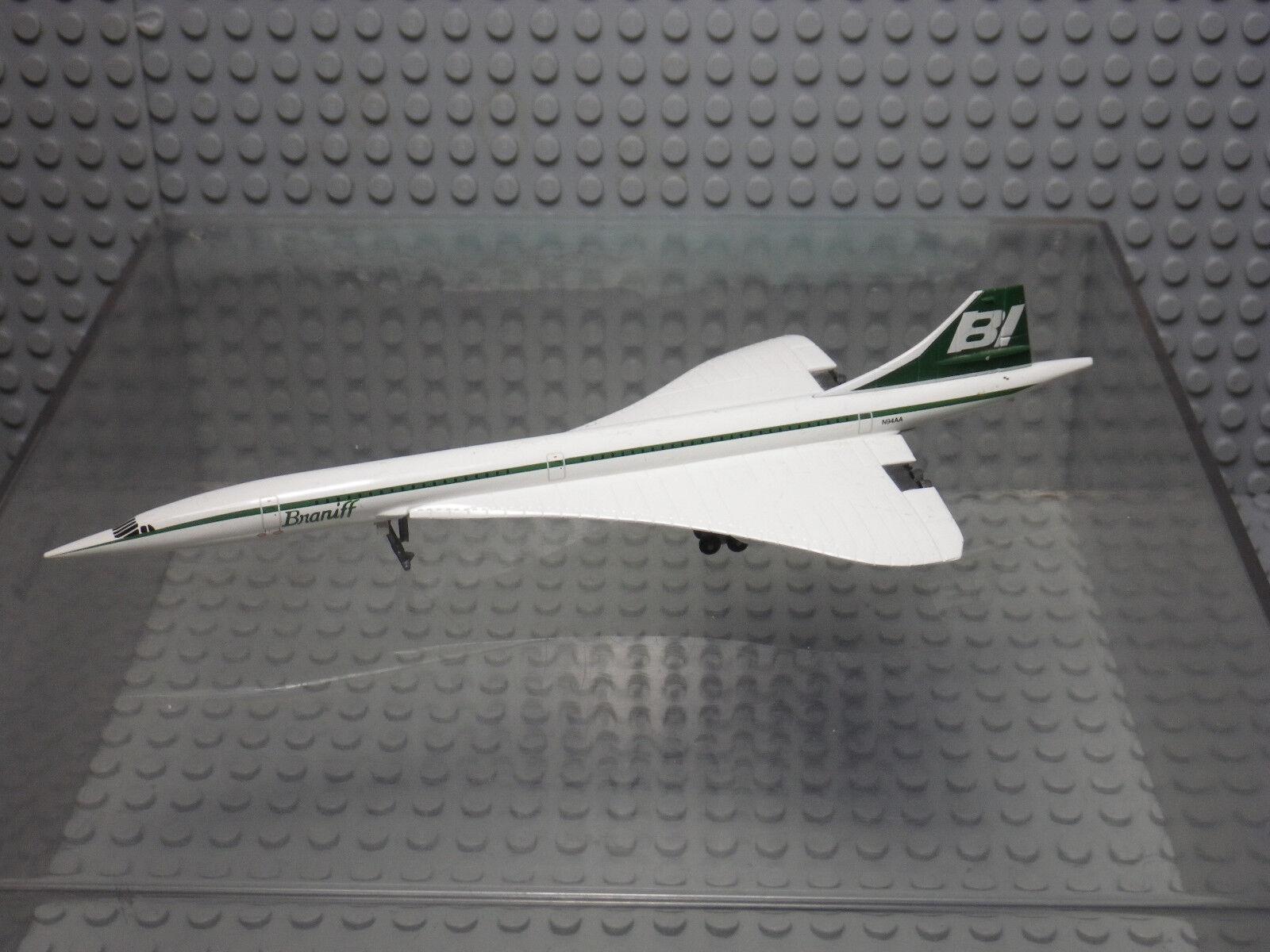 Braniff concorde airplane n94aa-die cast 1 400