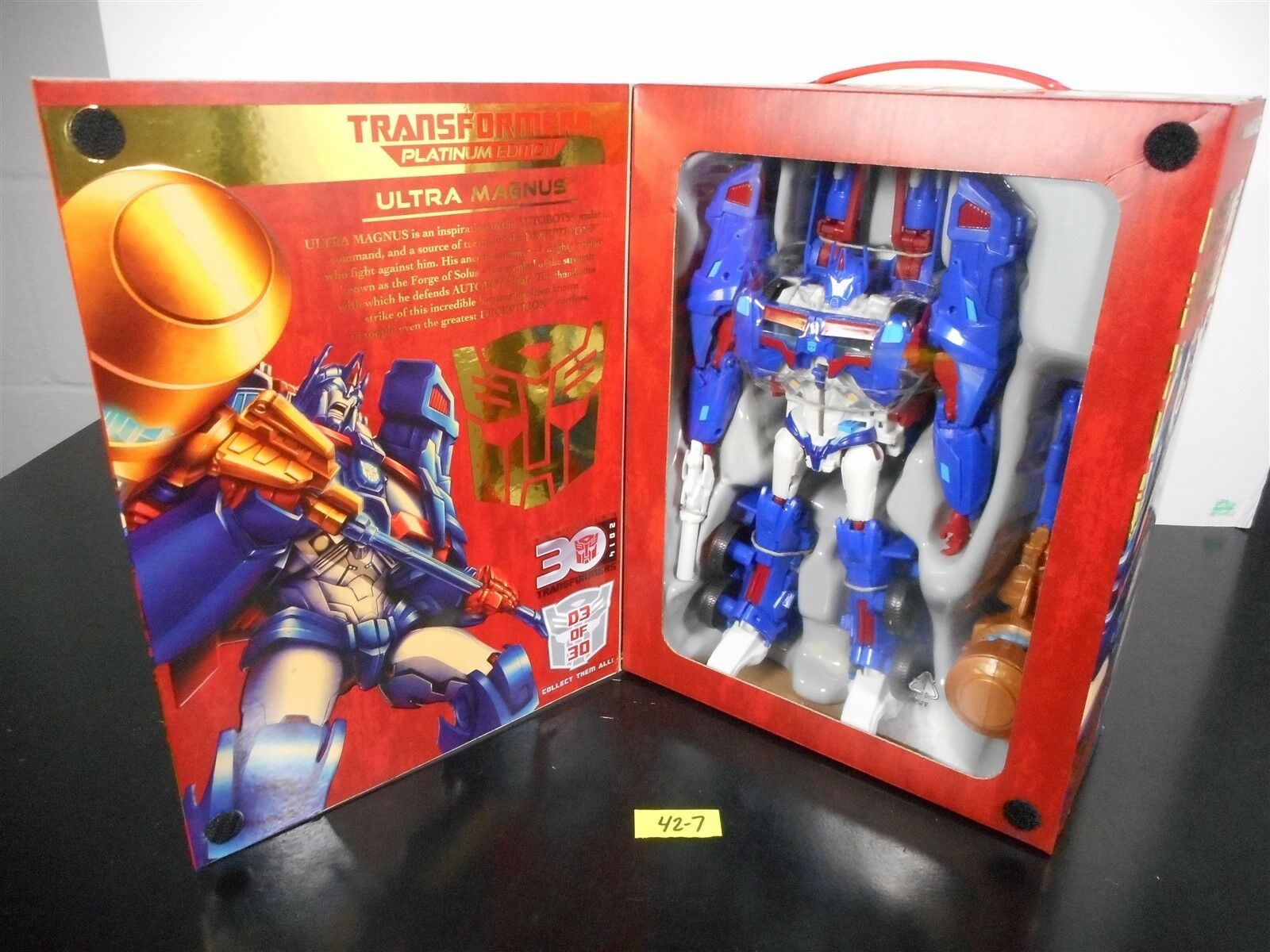 Comme neuf & sealed    Transformers Platinum Edition Ultra Magnus 2013 EXCLUSIF    42-7