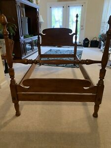 Vintage Ethan Allen Baumritter Early American Maple Twin Poster Bed Acorn 1940 S Ebay
