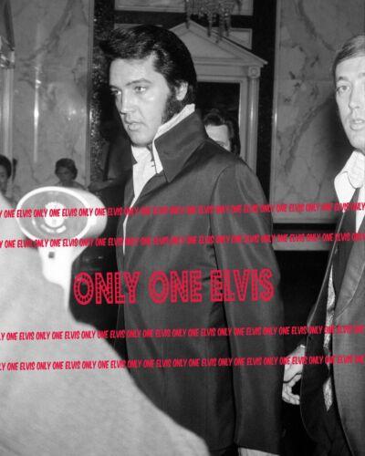 Las Vegas Nevada CANDID #2 1970 ELVIS PRESLEY 8x10 Photo Caesar/'s Palace