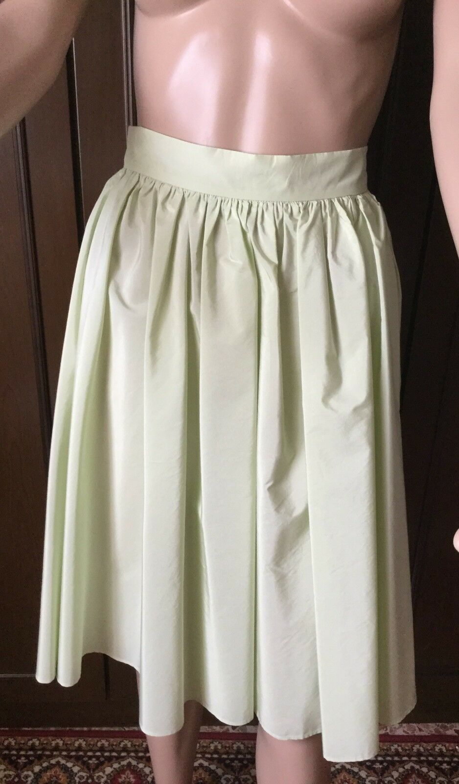 Max Mara  gorgeous silk summer skirt, Woman, light green color, size 46   Gonna