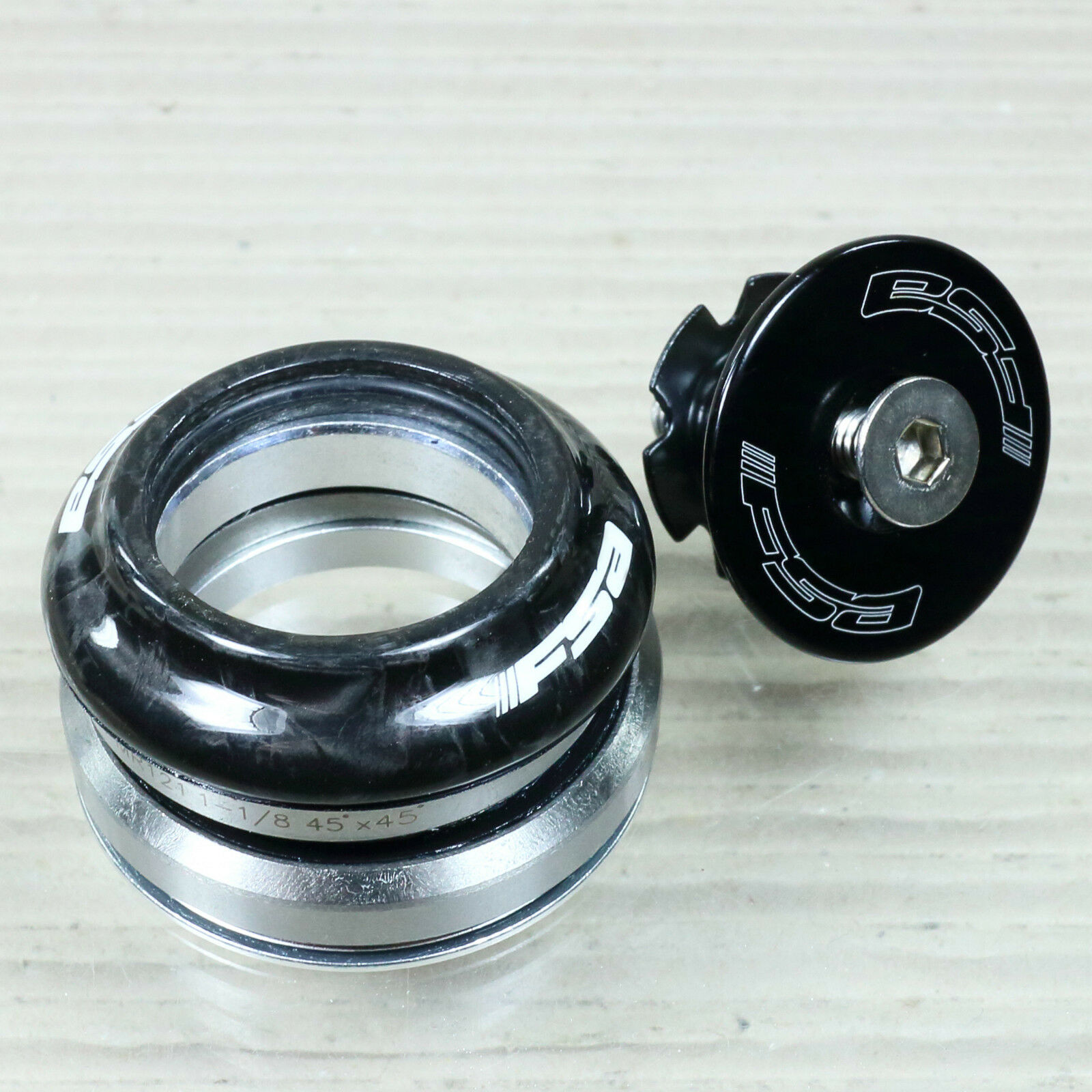 FSA Orbit C-33 Carbon STEUERSATZ 1 1 8    - 1 1 4  taperot integriert 45° (Campa) 1e8c6a