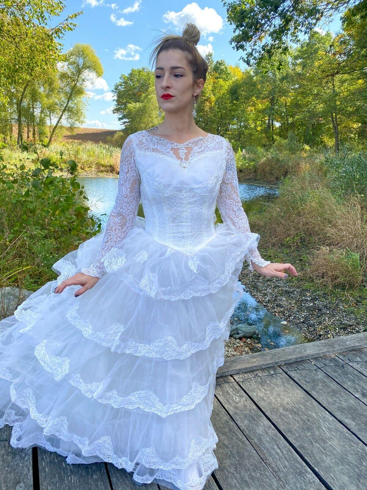 1950's Vintage Wedding Dress Lace w/Juliet Cap & … - image 3