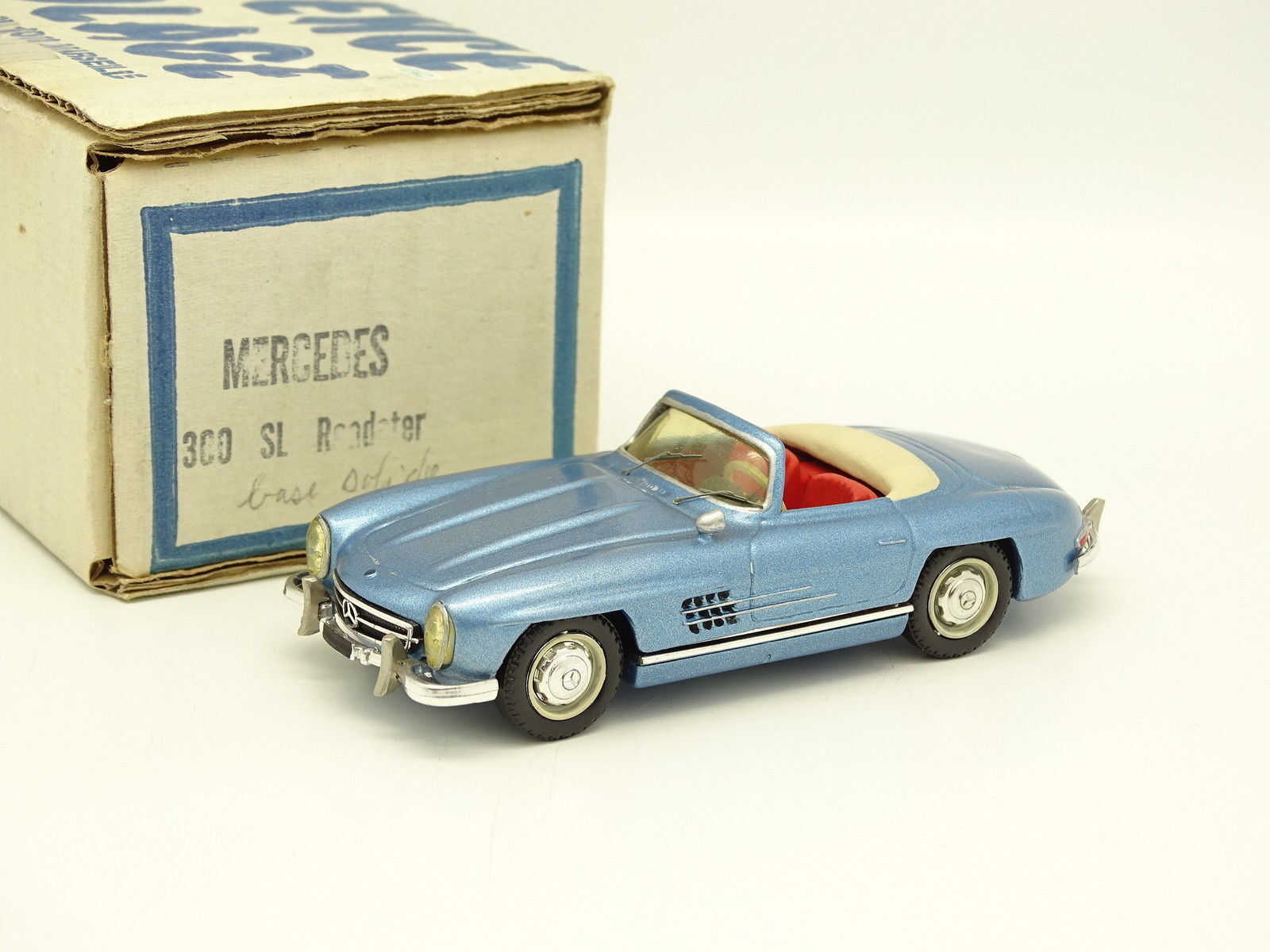 Provence Moulage Kit Monté 1 43 - Mercedes 300 SL Roadster Bleue