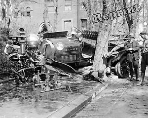 Photograph-of-a-Fire-Engine-Wreck-Engine-Co-9-Washington-DC-Year-1922-8x10