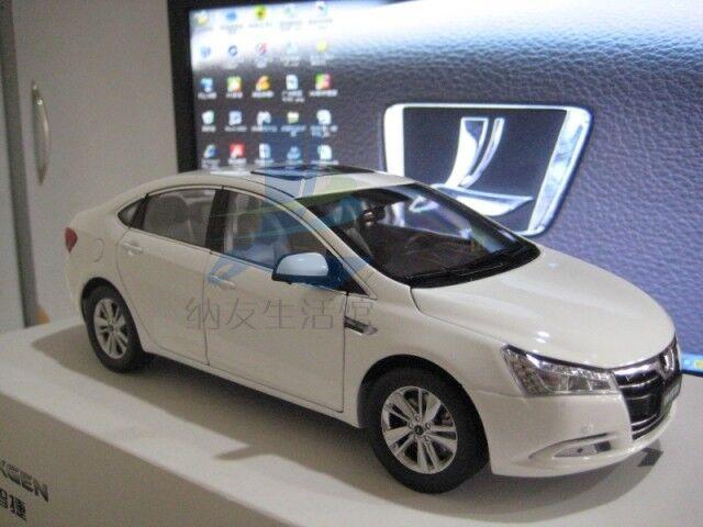 1 18 Dongfeng Yulon  Luxgen 5 SEDAN model blanc Couleur + gift  70% de réduction