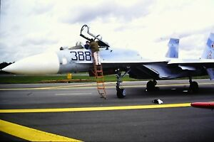 4-414-2-Mikoyan-MiG-29-Tajik-Air-Force-388-Kodachrome-slide