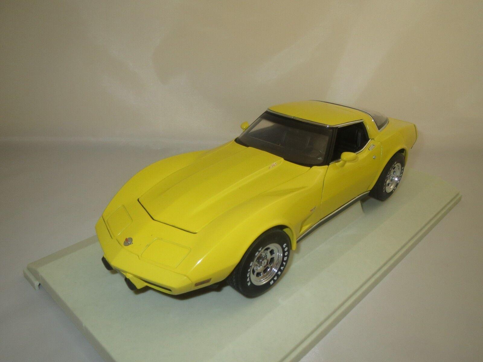 UT MODELS 21074 CHEVROLET CORVETTE Coupè  1978  (jaune) 1 18 neuf dans sa boîte