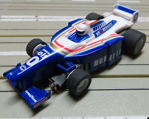 For-H0-Slotcar-Racing-Model-Railway-Formula-1-Renault-with-Tyco-Engine