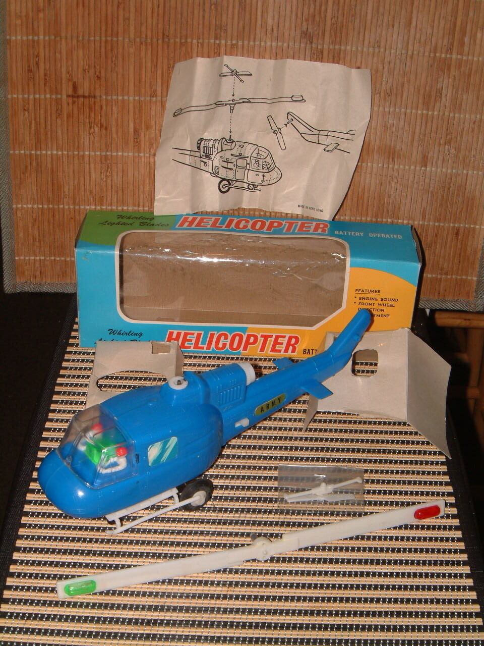 NOS VINTAGE BATTERY OPERATED WHIRLING LIGHTED BLADES HELICOPTER W BOX  WORKING