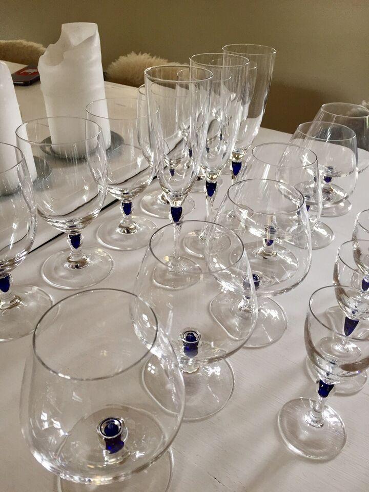 Glas, Blå sephir glas. Diverse glas, Cristal d'Arques