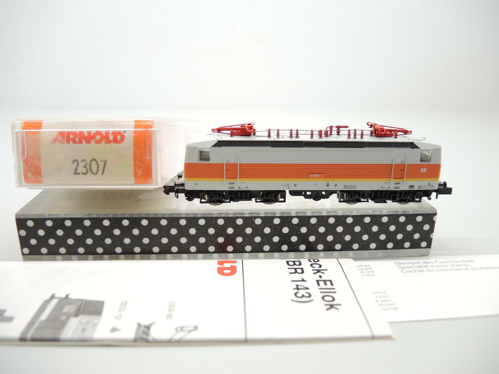 Arnold 2307 E-Lok BR 143 584-1 der DR, sehr gut, Anleitung, OVP