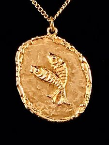 RARE-VINTAGE-ESTATE-GOLD-ARTICULATED-KOI-FISH-PENDANT-NECKLACE-SIGNED-ART-CO