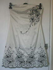 JANE NORMAN UK14 EU42 CREAM AND BLACK STRAPLESS STRETCH SATIN DRESS