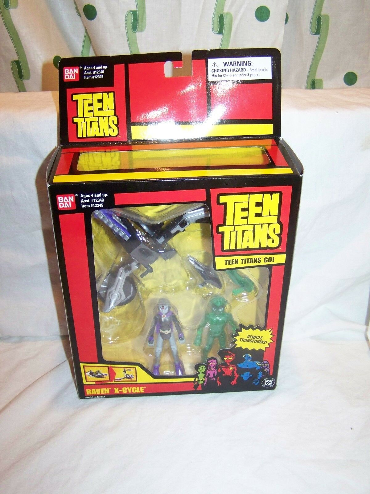 NEW TEEN TITANS GO  RAVEN X-CYCLE Collectible Transforming Vehicle MIB Sealed