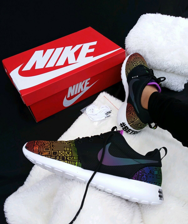 Size 11.5 MEN'S Nike Roshe One BT QS Be True LGBTQ Black rainbow 808715-006