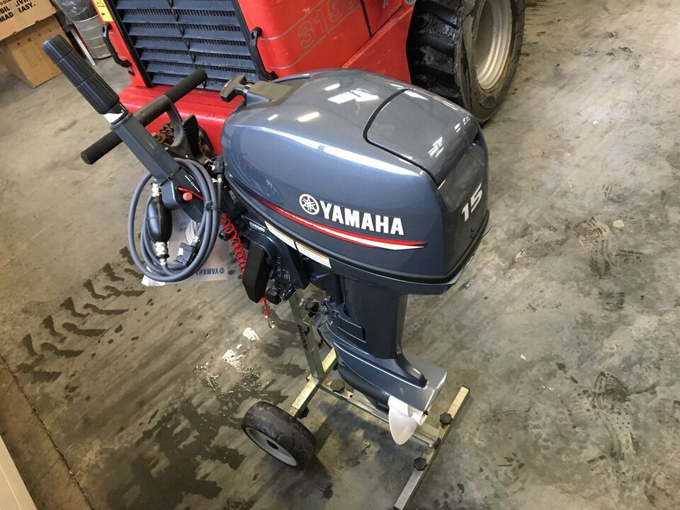 Yamaha F15 fabriksny