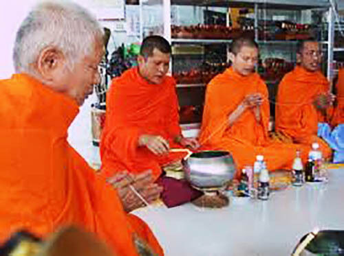 REAL SACRED 10 PCS PHRA PIKANET LEKLAI NAM PHI TAKRUT THAI AMULET BUDDHA