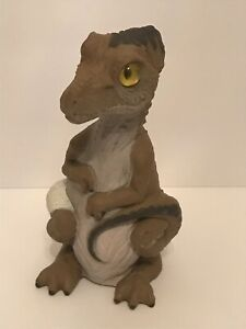 Jurassic-Park-T-rex-Hatchling-Amblin-HASBRO-NO-EGG-site-B-JP-56-Wicked-yeux