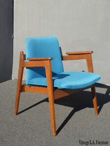 Vintage-Mid-Century-Modern-Milo-Baughman-Style-Blue-Accent-Chair