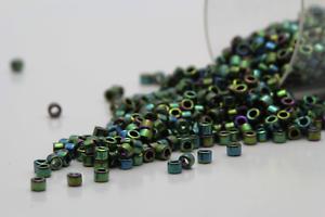 Miyuki Delicas 11//0 Metallic Green Luster Seed Beads DB-027