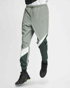 nike pants with logo