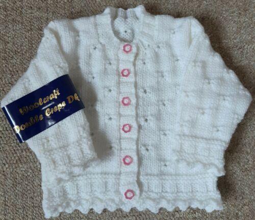 Hand Knitted Nuevo Bebé Niña/'s Cardigan tamaño recién nacido en blanco o Multi Pastel Mezcla