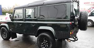 Land Rover Defender - 110 Td5 County 9 passenger