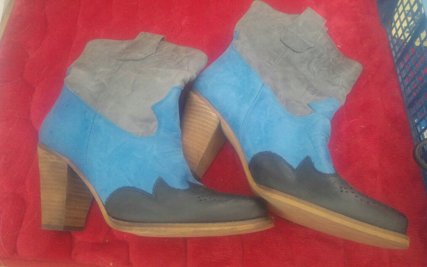 SCHUH SPANISH LEATHER LADIES ANKLE BOOTS 6.5 ONLY WORN TO TRY ON BLACK blueE GREY