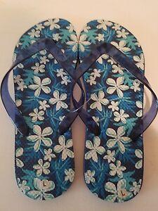 Womens Blue White Flowers Flip Flop Sandals New Size Large 910