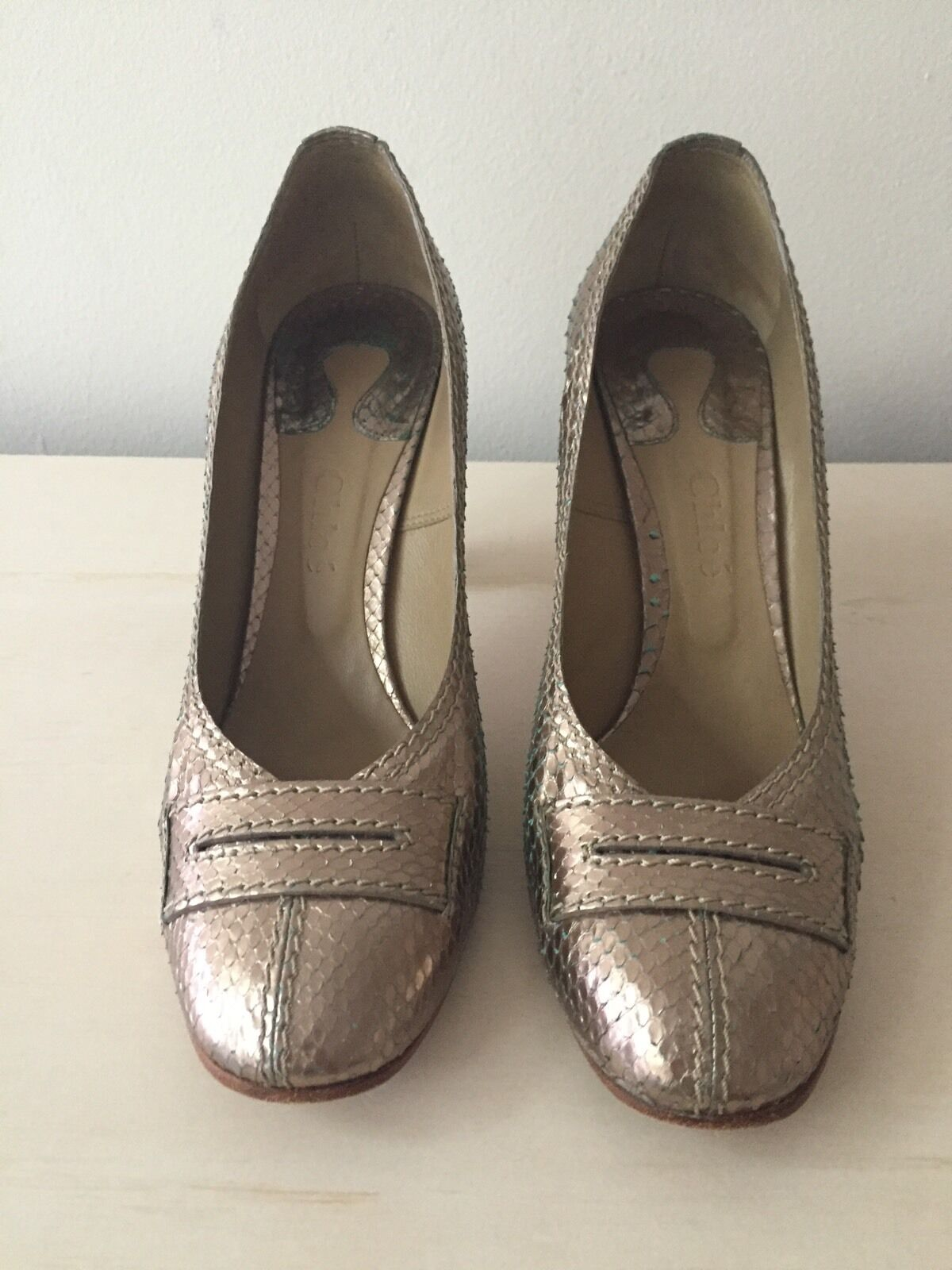 Gentleman/Lady Auth Chloe Gold Scale Pumps 39 New Listing Attractive fashion Different styles and styles