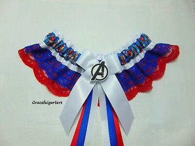 Appena Le Piccole Avengers Supereroi Da Cerimonia In Pizzo Giarrettiera-mostra Il Titolo Originale Evidente Effetto