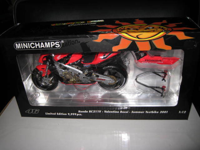 MINICHAMPS 1 12 HONDA RC211V VALENTINO ROSSI SUMMER TEST BIKE 2001 MOTO GP